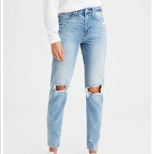 American Eagle Mom Jean in Cool Classic